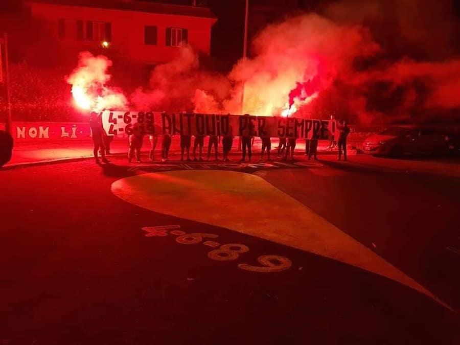 4-6-89, 4-6-19 Antonio per sempre! - Curva Sud - ROMA - fumogeni