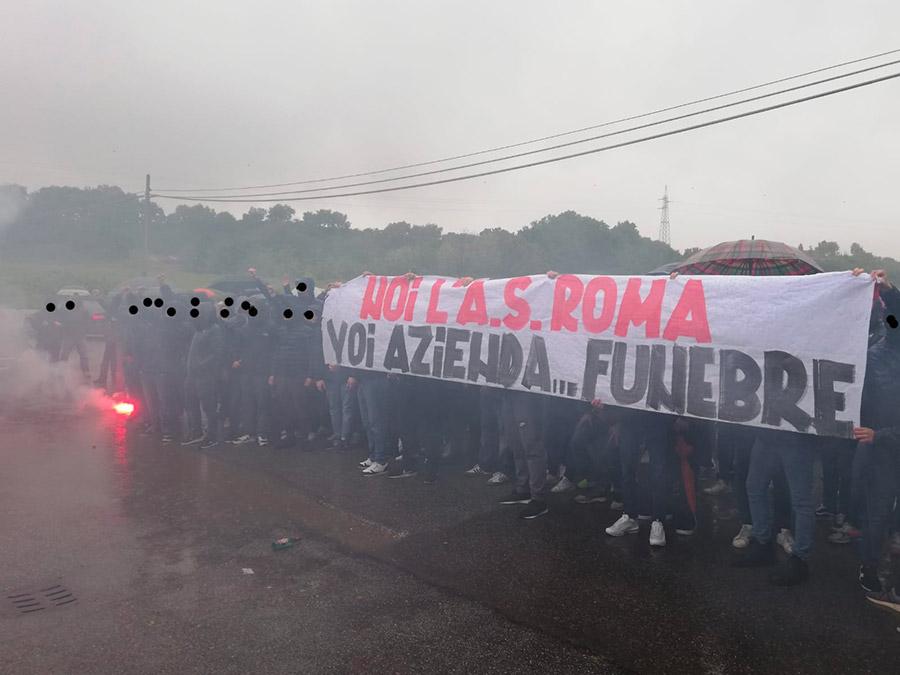Noi l'A.S. Roma Voi azienda…funebre