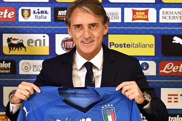 Mancini: Sette italiani in campo nella Roma? La squadra giallorossa sta facendo una buona politica