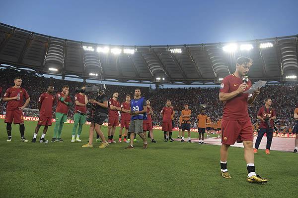 Francesco Totti, prima di Roma-Real Madrid verrà celebrato il suo ingresso nella Hall of Fame