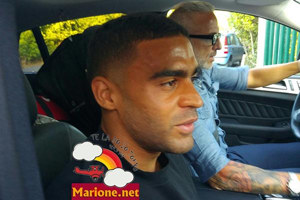 Defrel è arrivato a Trigoria. Il calciatore: Non vedo l'ora di iniziare (foto e video)