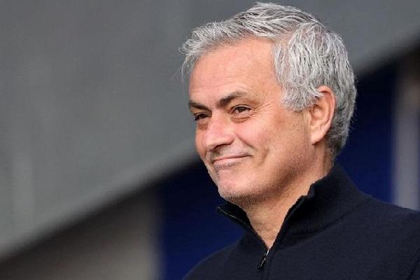 Mourinho prima della partita: Sarà una Roma aggressiva in campo ma dobbiamo rispettare il Napoli