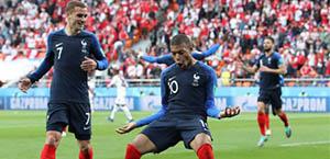 Mondiali - Gruppo C: Francia agli ottavi, 1-1 tra Danimarca e Australia
