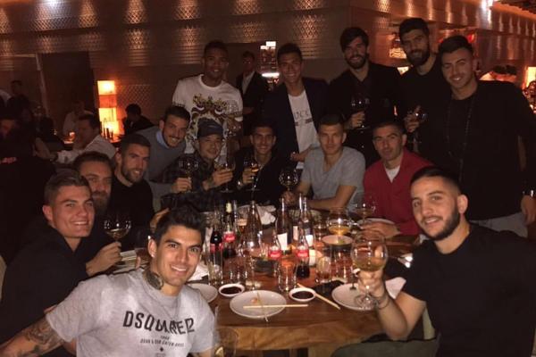 I giocatori della Roma a cena festeggiano il derby (foto)