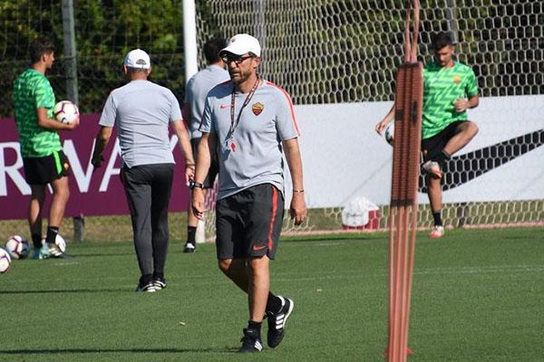 AS Roma - Allenamento mattutino: Luca Pellegrini in gruppo