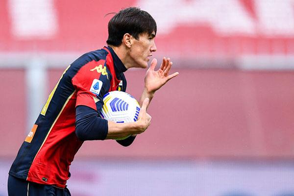 Mercato AS Roma – Ufficiale l'acquisto di Shomurodov: il calciatore indosserà la maglia numero 14