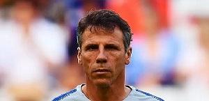 Zola: Mourinho valore aggiunto, Roma vive di entusiasmo e lui è un trascinatore